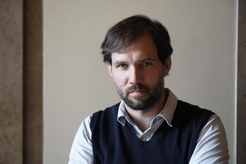 Le compositeur Julien Bilodeau. (Crédit photo: Philippe Stirnweiis).
