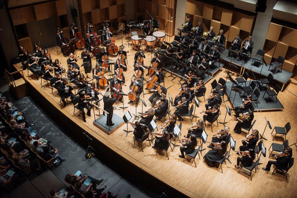 L'Orchestre symphonique de McGill est à surveiller cette saison, tout comme sa programmation éclectique qui promet de belles découvertes musicales. (Crédit photo : Tam Lan Truong)