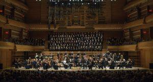 l'Orchestre Métropolitain avec chœur