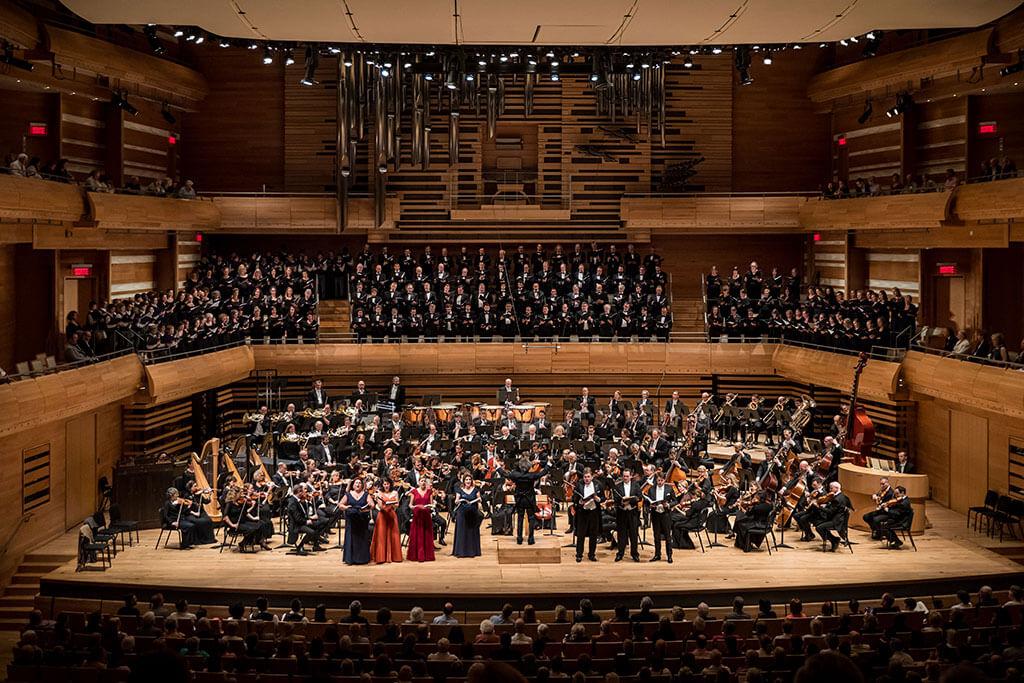 L'œuvre d'une heure et demie requiert huit solistes, un double chœur mixte et un chœur d'enfants, en plus de l'orchestre. (Crédit photo: Antoine Saito).