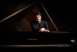 Charles Richard-Hamelin jouera le troisième Concerto de Prokofiev avec l'OSM sous la direction de Vasily Petrenko. (Crédit photo: Elizabeth Delage).