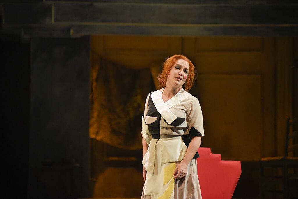 Le rôle d'Angelina (Cendrillon) dans La Cenerentola, de Rossini, est celui que Julie Boulianne a chanté le plus souvent dans sa carrière. (Crédit: Yves Renaud)