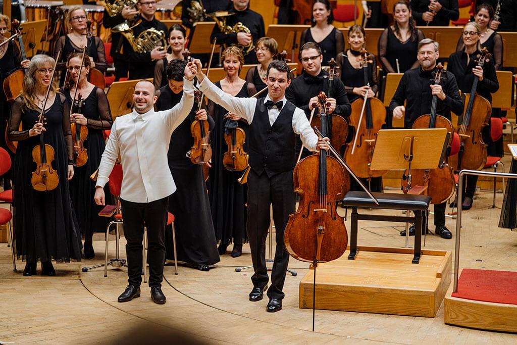 Stéphane Tétreault, avec l'Orchestre Métropolitain et Yannick Nézet-Séguin à Cologne. (Crédit: François Goupil)