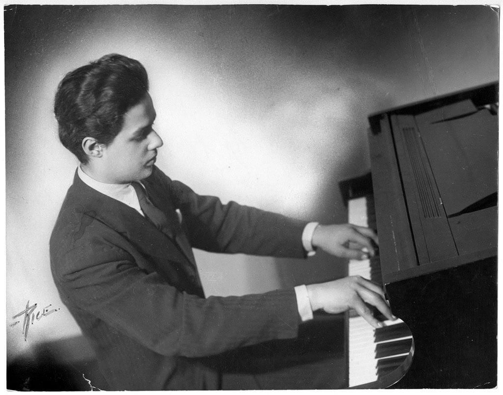 André Mathieu, pianiste et compositeur. (Photo: Bibliothèque et Archives nationales du Québec)