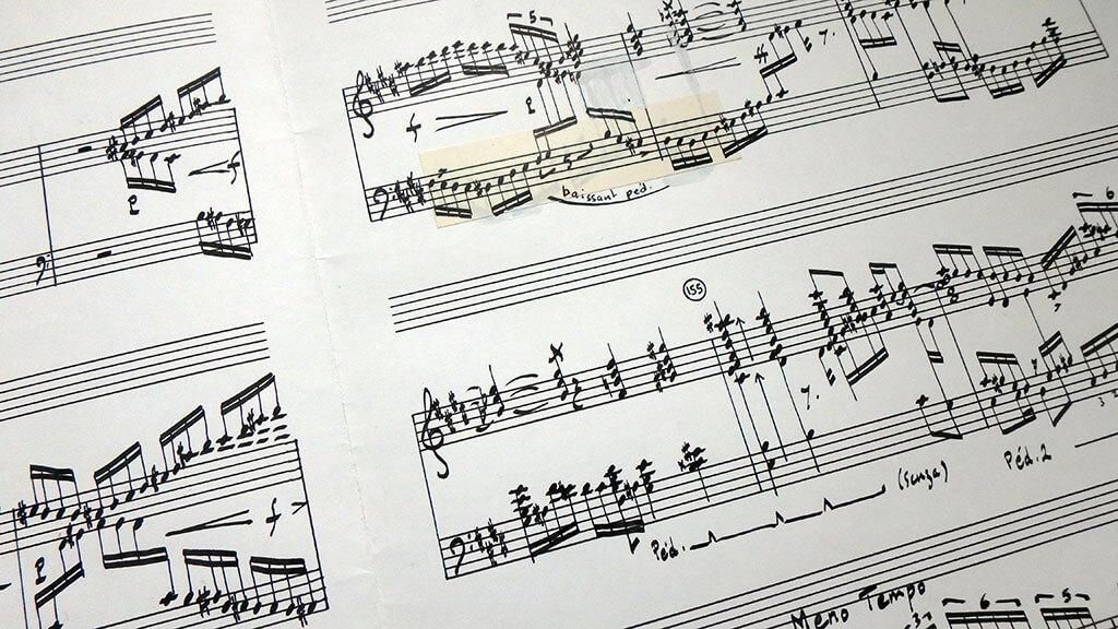 En tout début de carrière, Odile Gruet utilisait la plume et l'encre de Chine pour copier les partitions. Elle travaillait à main levée. Ici La remontée d'Adanac O, le salmo-Salar, de Michel-Georges Brégent. (Crédit: Hélène Roulot-Ganzmann)