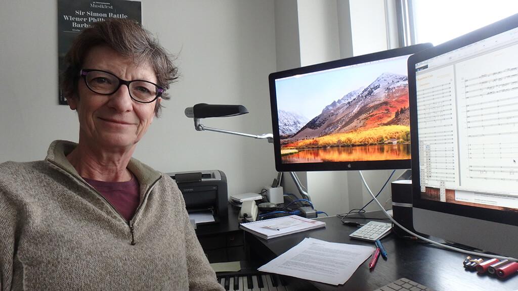 Odile Gruet, l'une des dernières copistes au Québec. (Crédit: Hélène Roulot-Ganzmann)