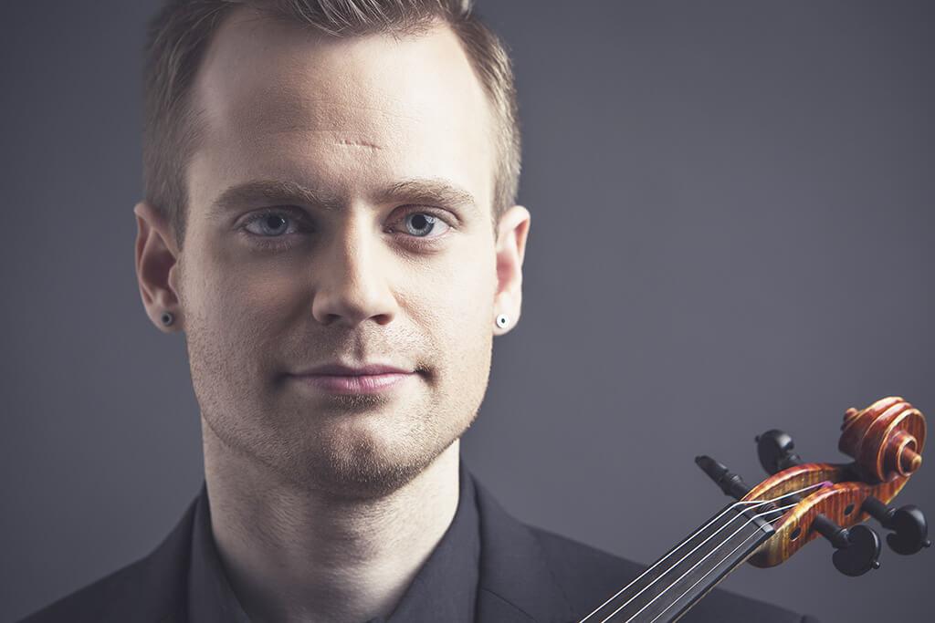 Marc Djokic, violoniste. (Crédit: Waël Chanab)