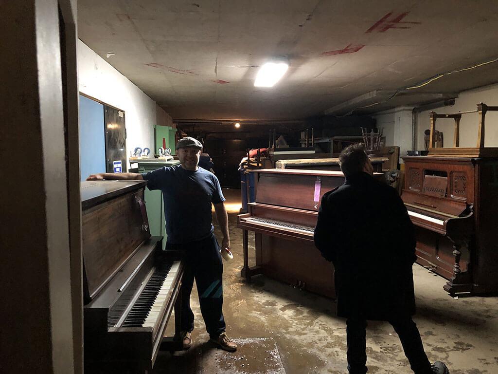 Pendant l'hiver, certains pianos publics sont parqués (respectueusement) dans des entrepôts en attendant le printemps. (Photo: Frédéric Cardin)
