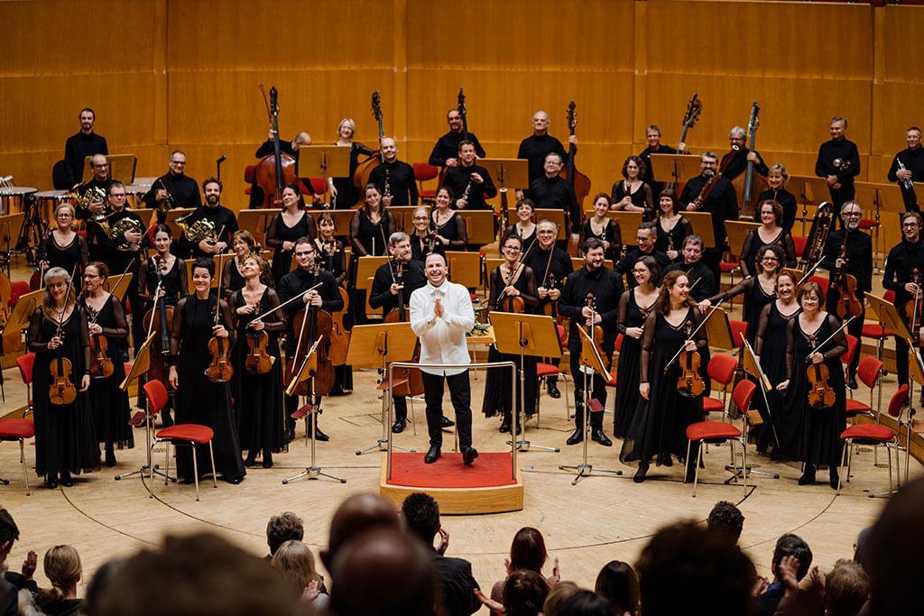L'Orchestre Métropolitain et son chef, Yannick Nézet-Séguin. (Crédit: François Goupil)