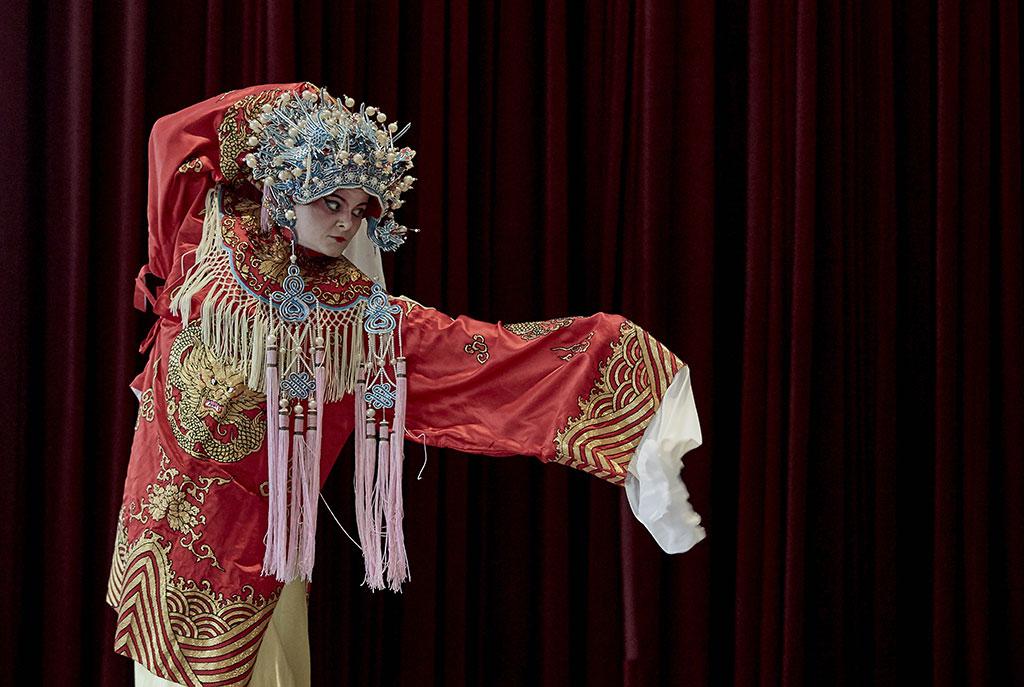 Stéphanie Pothier, méconnaissable dans l'opéra Lotus Lives. (Crédit: Mathieu Poirier)