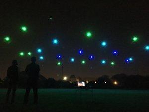 Une chorégraphie lumineuse de drones viendra conclure le concert de l'OSQ du 25 juillet, au Domaine Maizerets. (Photo: courtoisie de Noctura)