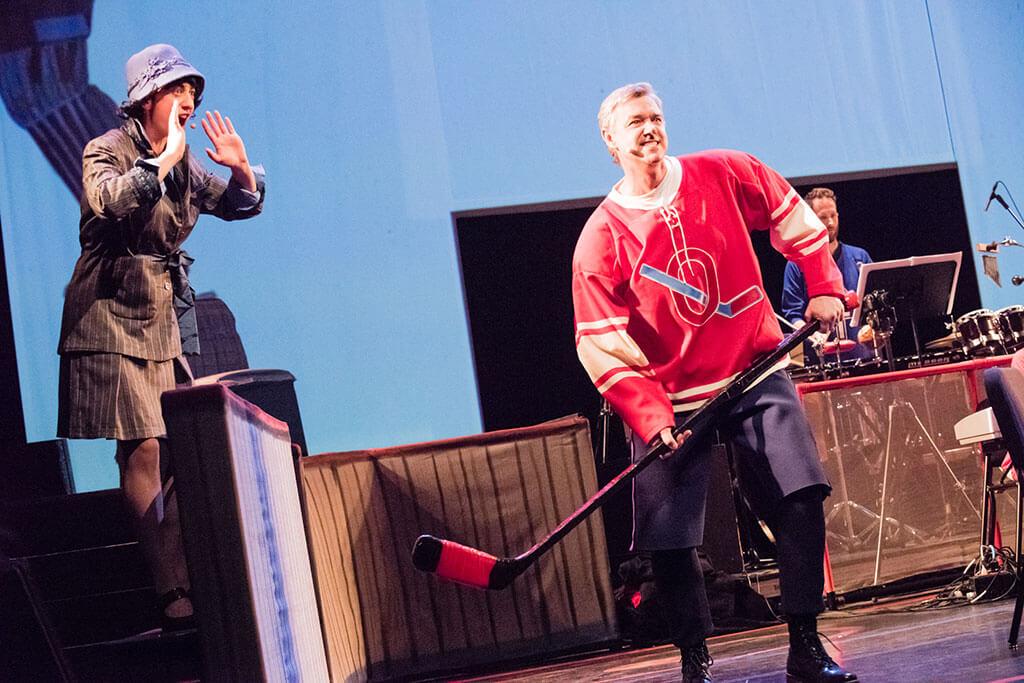 Pascale Beaudin et Michiel Schrey dans Hockey Noir, L'Opéra, au Monument-National (Crédit: Maxime Boisvert)
