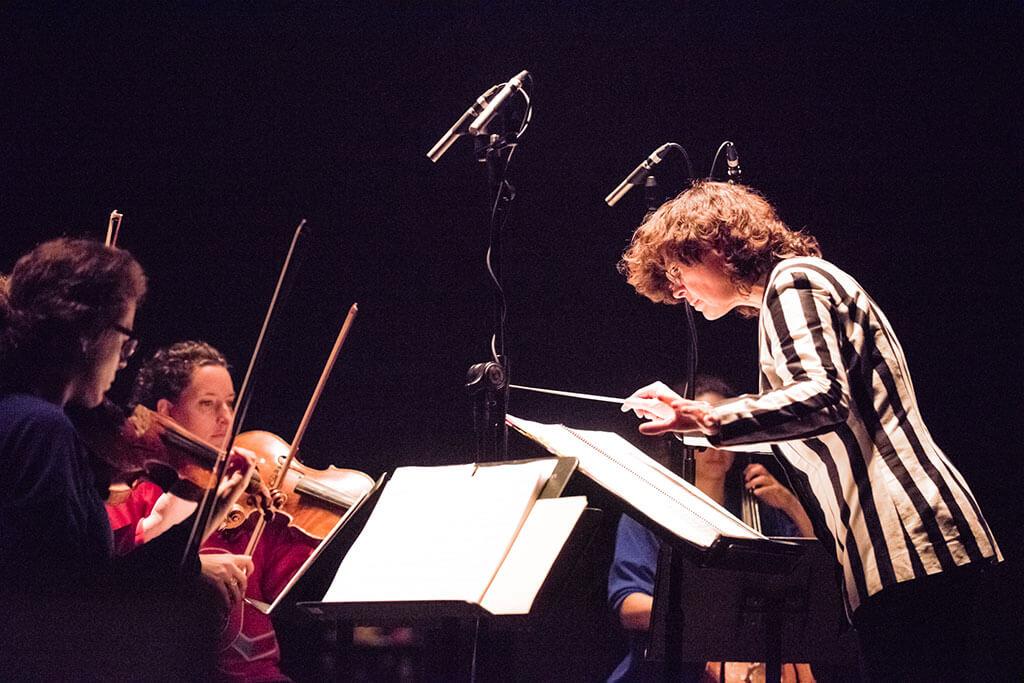 Véronique Lacroix, directrice artistique de l'Ensemble contemporain de Montréal. (Crédit: Maxime Boisvert)