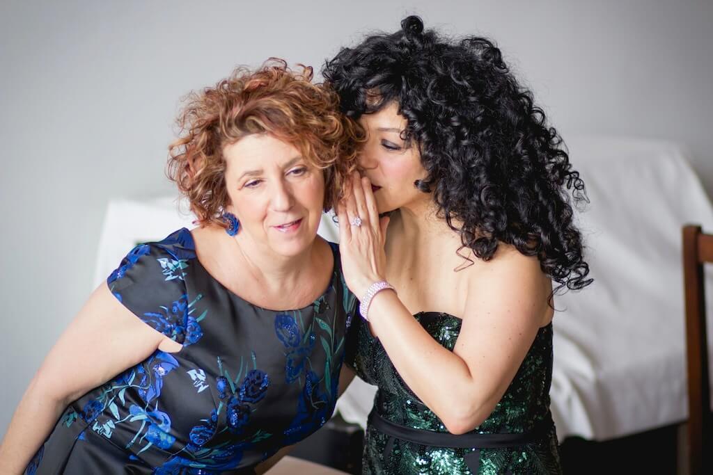 Caroline Leonardelli et Julie Nesrallah. (Photo: courtoisie de CAMMAC)