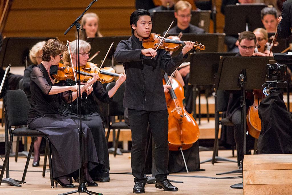 Le violoniste Kerson Leong (Crédit : Antoine Saito)