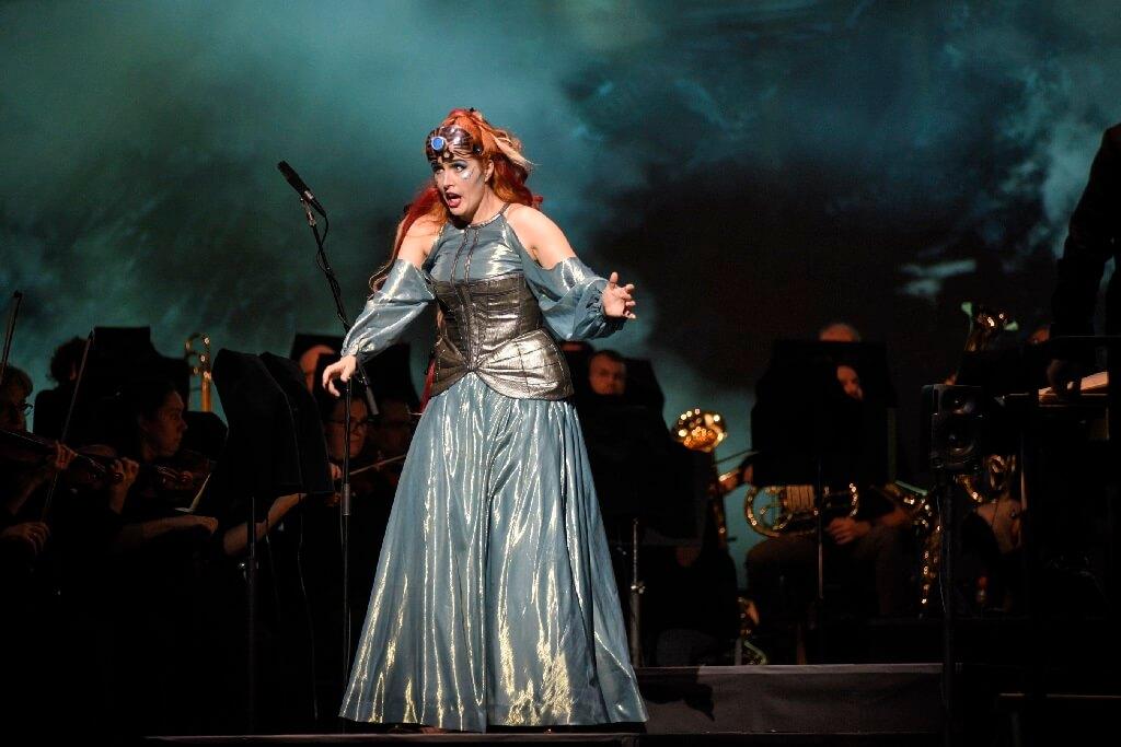 La soprano Caroline Bleau continue sur la belle lancée d'Another Brick in the Wall en campant une Freia très crédible et bien en voix. (Photo: Yves Renaud)