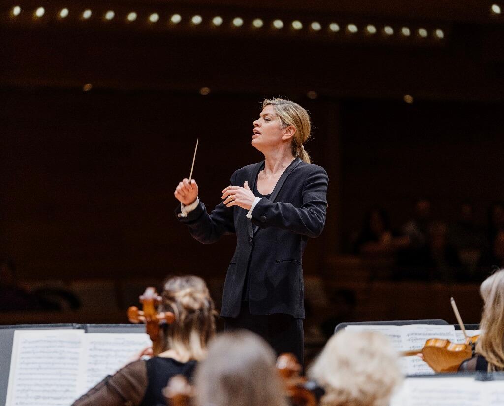 L'Orchestre métropolitain, sous la direction de Keri-Lynn Wilson, commençait l'année 2019 avec deux grandes œuvres de Tchaïkovski. (Photo: François Goupil)