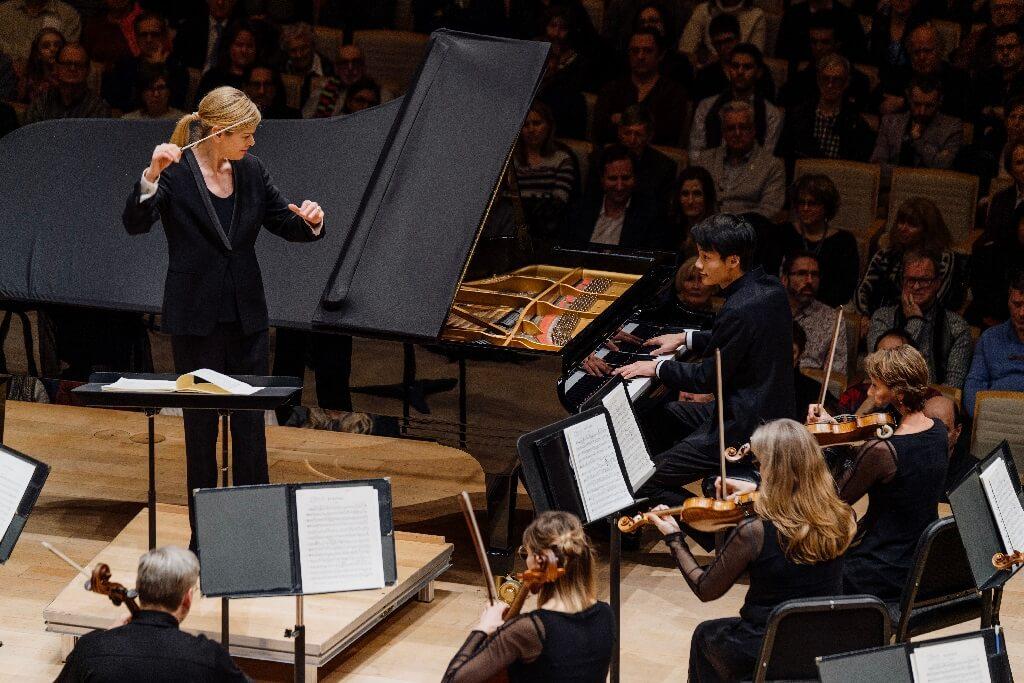 Le concerto pour piano était confié à Zhan Hong Xiao, qui fait preuve d'une technique prometteuse et d'une compréhension du style. (Photo: François Goupil)