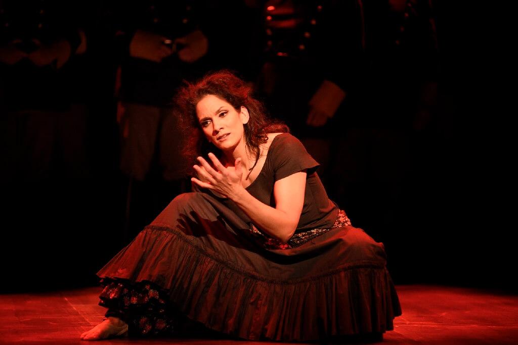Krista de Silva dans Carmen, Opéra de Montréal, mai 2019. (Photo: Yves Renaud)