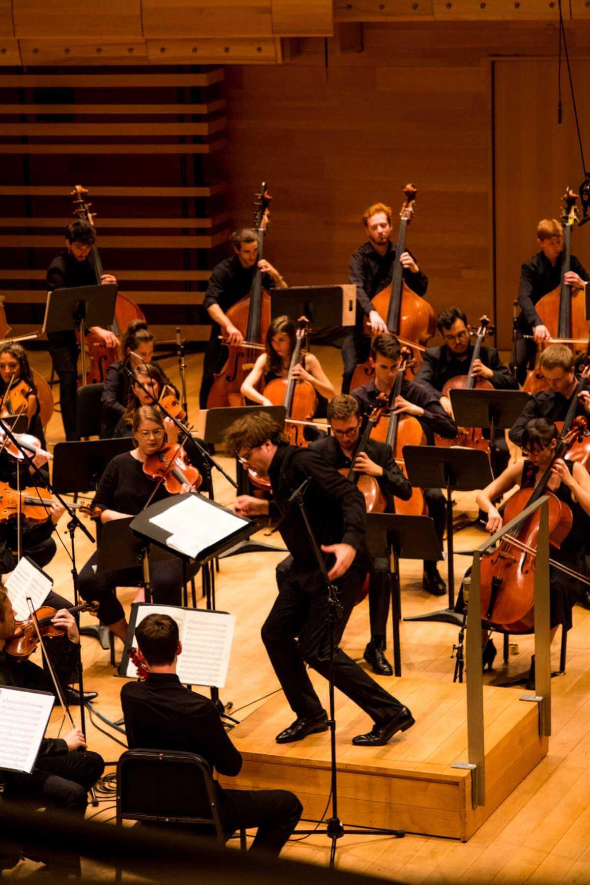 La pianiste Anne-Marie Dubois interprétait le Concerto pour piano no 2 de Liszt avec l'Orchestre de la Francophonie, 14 août 2019. (Photo: Cassandra Beck)