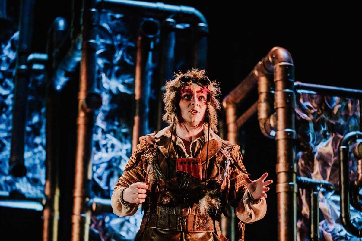 Chaque année, Opera McGill présente des productions d'opéra avec décors et costumes. (Photo: Brent Callis)