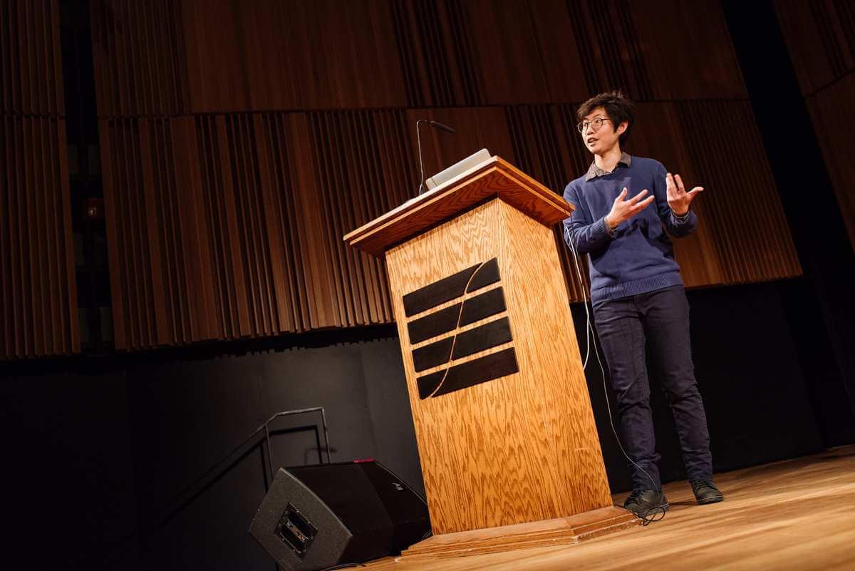 Par des présentations collaboratives, cette série rassemble chercheurs et interprètes sur une même scène. (Photo: Tam Lan Truong)
