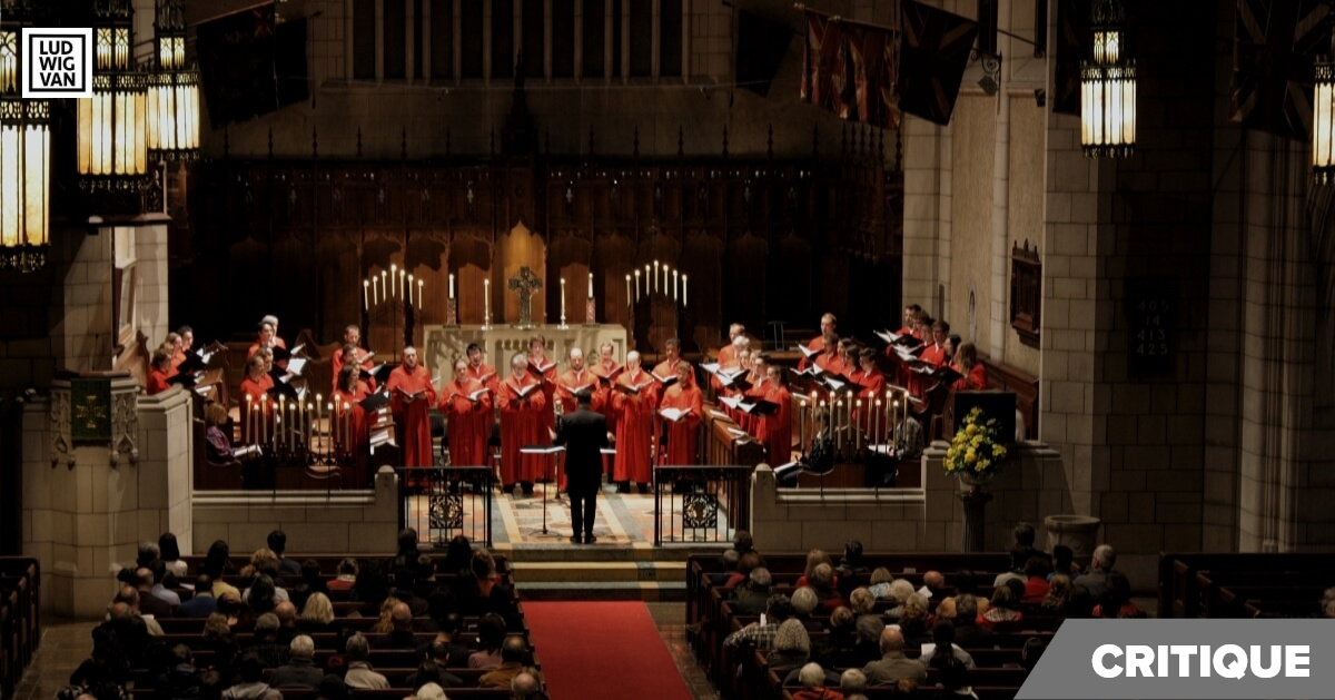 Le Choeur de l'église St. Andrew et St. Paul présentait les Vêpres de Rachmaninov à la lueur des chandelles. (Photo : Noémie Tremblay-Lamontagne)