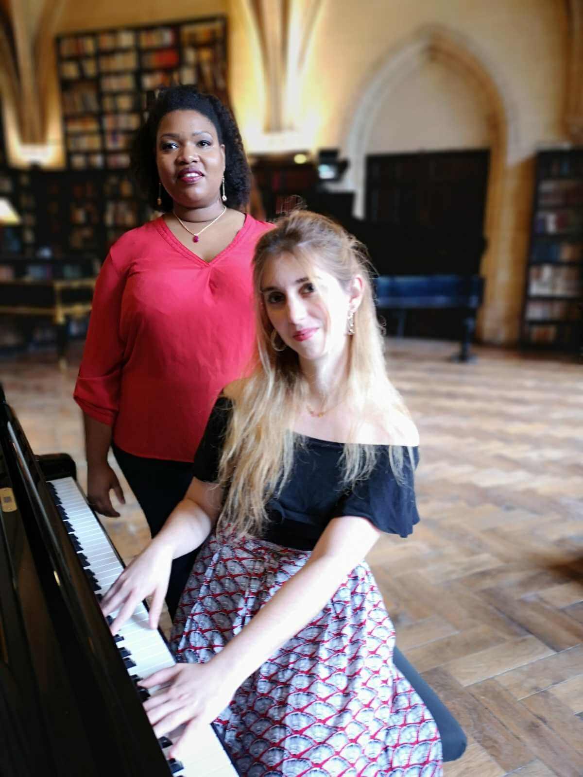 Marie-Laure Garnier et Celia Oneto Bensaid. (Photo: Aurelien Garcia)
