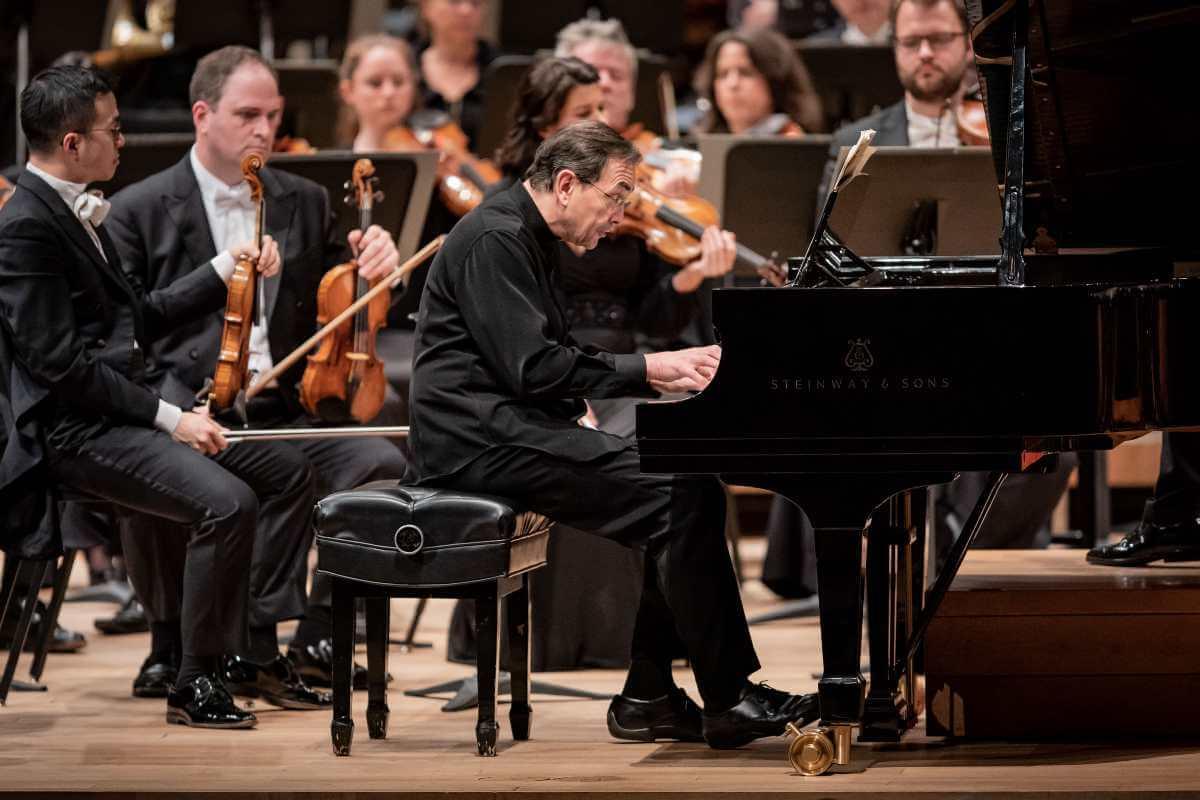 Pierre-Laurent Aymard, soliste invité de l'OSM, 30 octobre 2019. (Photo: Antoine Saito)