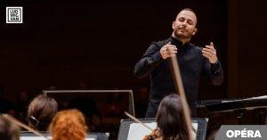 Yannick Nézet-Séguin en train de diriger (Photo : François Goupil)
