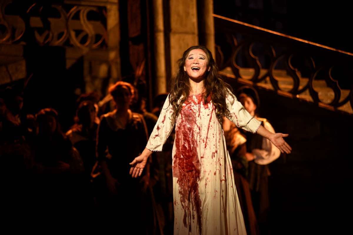 Kathleen Kim, soprano, dans Lucia di Lammermoor à l'Opéra de Montréal, du 9 au 17 novembre 2019. (Photo: Yves Renaud)