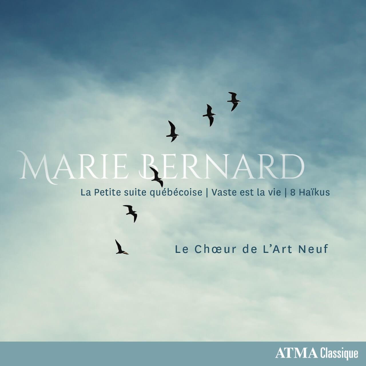 Couverture de La Petite suite québécoise de Marie Bernard sur étiquette ATMA, vol d'oiseau sur ciel ennuagé