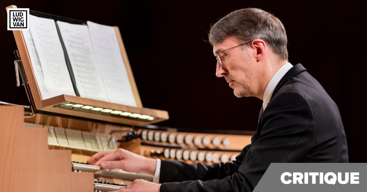 Olivier Latry à la console de l'orgue à la Maison sysmphonique, 21 janvier 2020