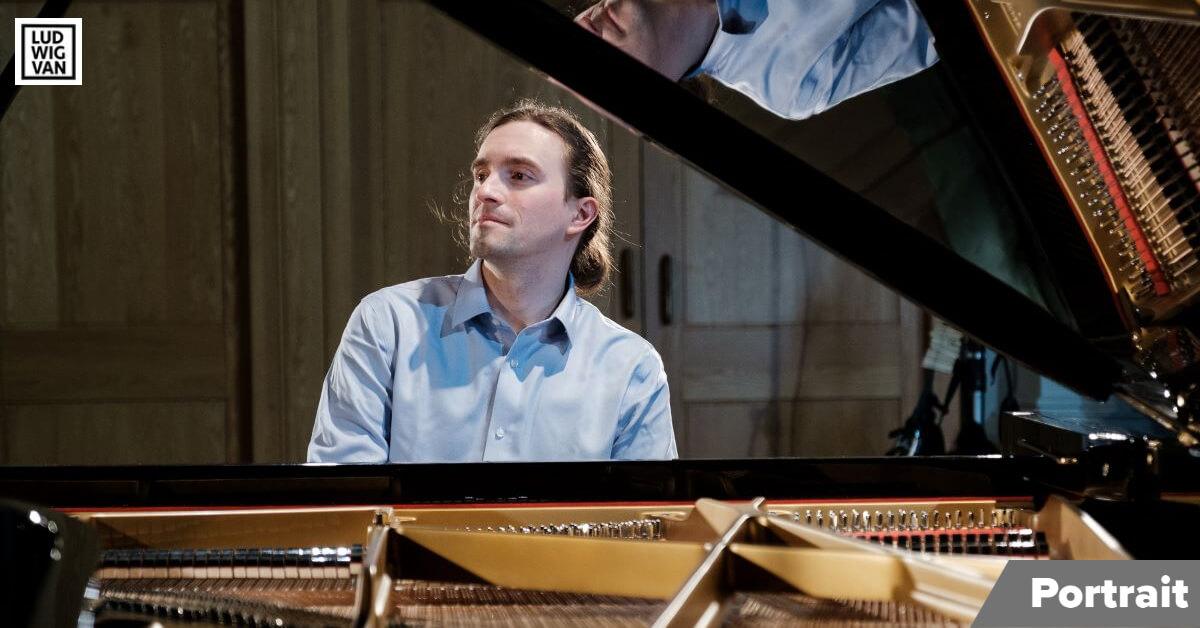 Viktor Lazarov, pianiste, sera en récital aux Mélodînes de Pro Musica cette semaine, en webdiffusion. (Photo: Laurence Grandbois-Bernard)