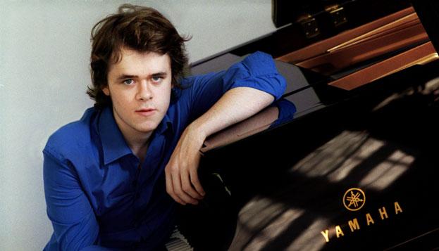 Pianist Benjamin Grosvenor makes his Ontario début in Kitchener-Waterloo next season (Laurie Lewis photo).