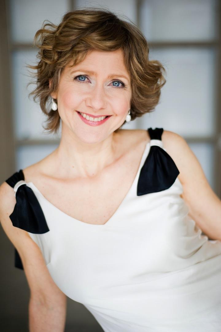 Suzie LeBlanc sings for the Women's Musical Club of Toronto on