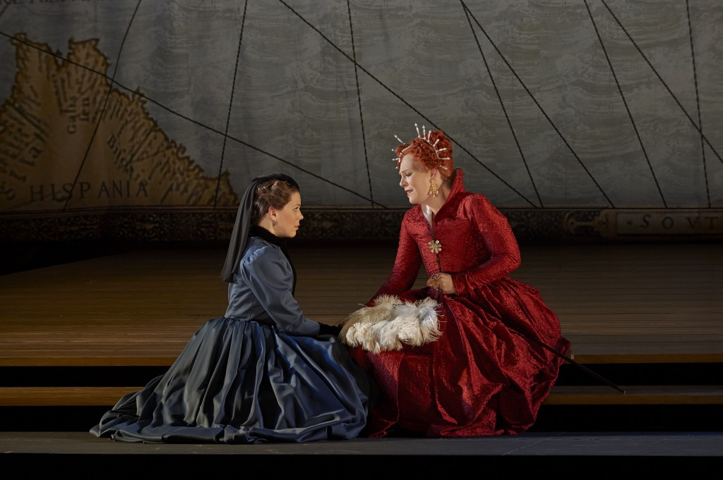 (l-r) Allyson McHardy as Sara and Sondra Radvanovsky as Elisabetta in the Canadian Opera Company production of Roberto Devereux, 2014. Photo: Michael Cooper
