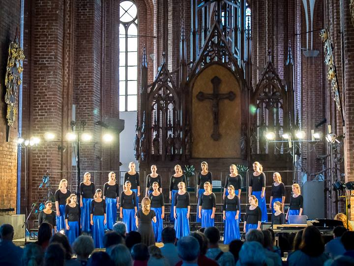 Oakville Children's Choir performing in Riga, Latvia. Photo: Connie Miller