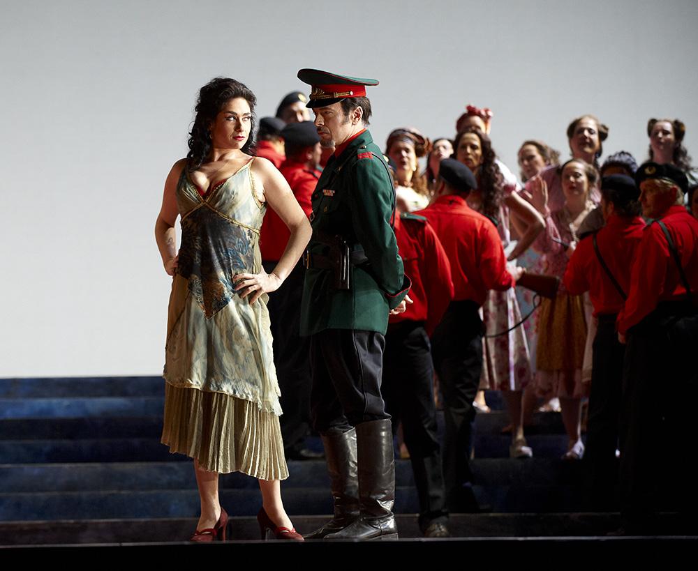(l-r) Rinat Shaham as Carmen Alain Coulombe as Zuniga. Photo from Carmen (Canadian Opera Company, 2010) by Michael Cooper