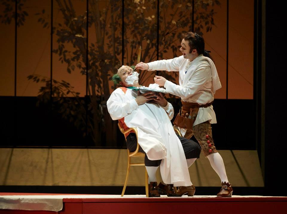 (l-r) Renato Girolami as Doctor Bartolo and Joshua Hopkins as Figaro; Photo: Chris Hutcheson