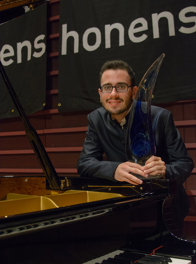 Pianist Luca Burratoo Photo: Monique de St. Croix