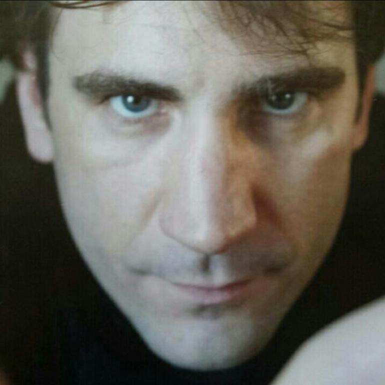 Maestro Alvaro Lozano (Photo via Miles Nadal JCC)