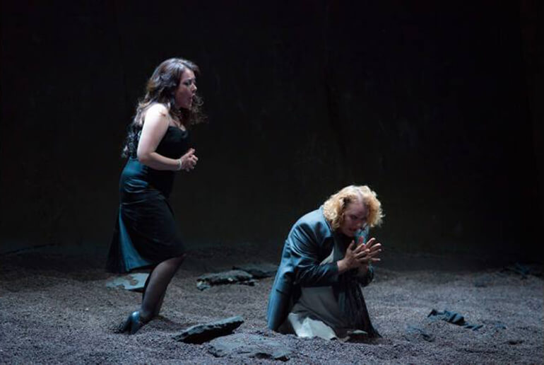 Deutsche oper berlin Elektra (Photo: Bettina Stoess)