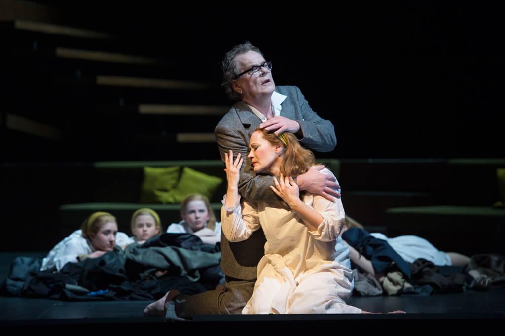 Salome;  Jochanaan - Michael Volle (Photo: Deutsche oper berlin)