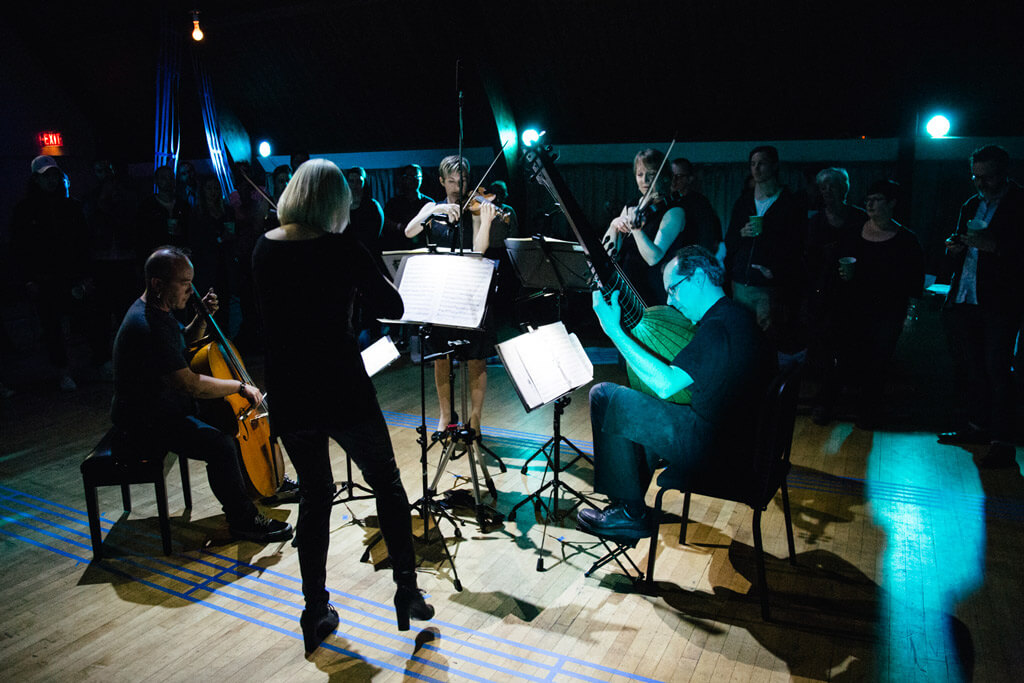 Haus Musik at 918 Bathurst, with performers from Tafelmusik Baroque Orchestra (l to r) Felix Deak, Julia Wedman, Cristina Zacharias, Tricia Ahern, and Lucas Harris. (Photo: Joshua Chong)
