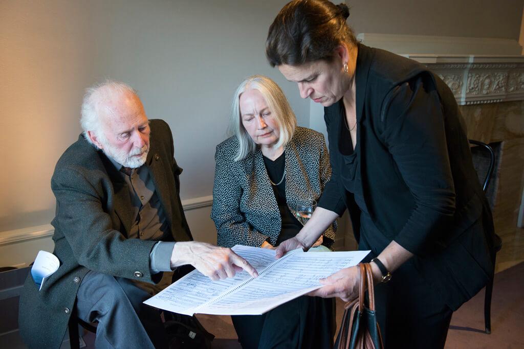 R. Murray Schafer and Eleanor James discussing the String Quartet No. 10 with violinist Olga Ranzenhofer. (Photo courtesy Quatuor Molinari)