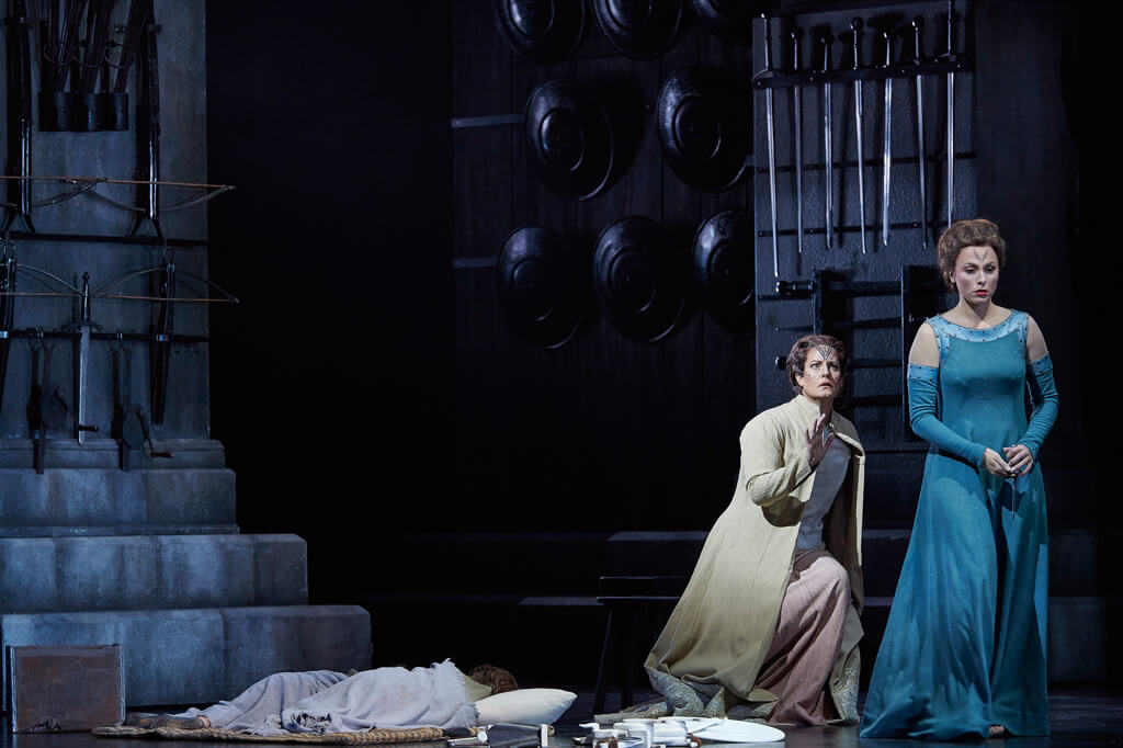 (l-r) Elza van den Heever as Norma and Isabel Leonard as Adalgisa in the Canadian Opera Company production of Norma, 2016, (Photo: Michael Cooper)
