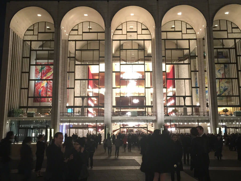 People crowd around Plaza in front of the MET opera house before the canceled performance of L'Italiana in Algeri (Photo: Joseph So)