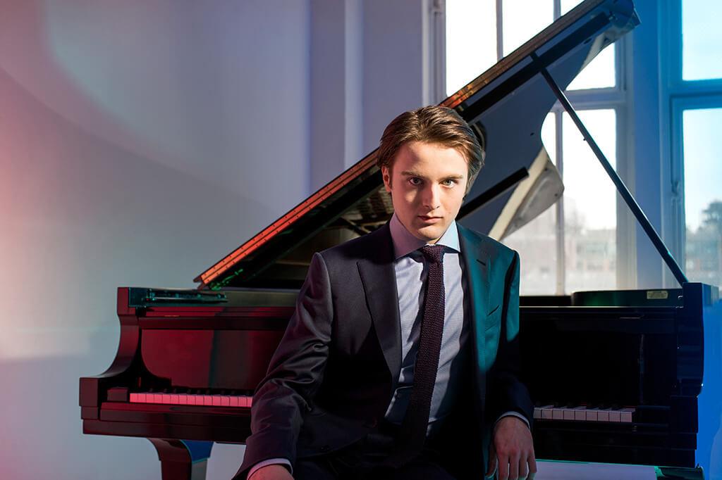 Daniil Trifonov (Photo: Dario Acosta/Deutsche Grammophon)