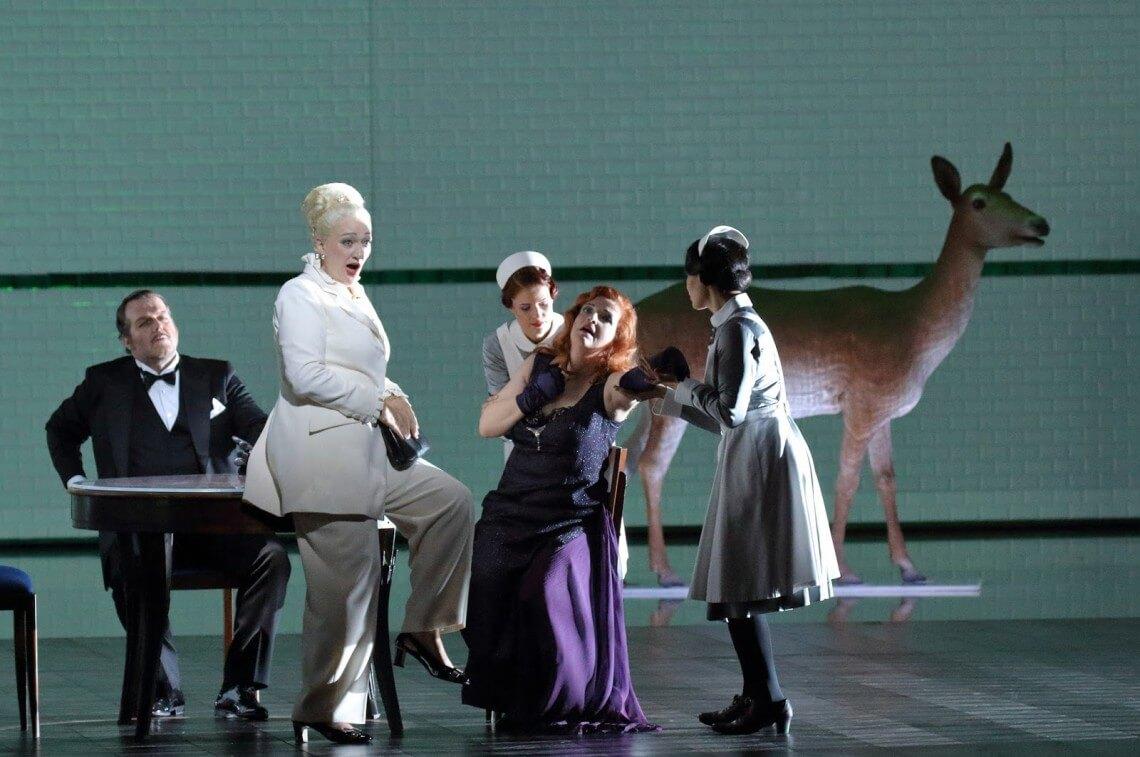 Die Frau ohne Schatten at the Bavarian State Opera (Photo Wilfried Hösl)